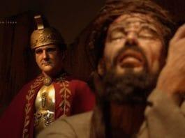 Vokskabinett i San Antonia, Texas har tolket Jesu korsbæring. (Illustrasjon: sam sepe, flickr.com)