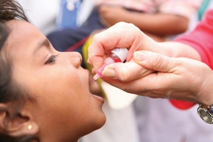 Polioimmunisering i India (Illustrasjon: RIBI Image Library, flickr.com)
