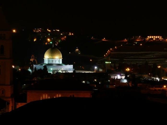Jerusalem om natten (Illustrasjon: Francois BESSONNET, flickr.com)