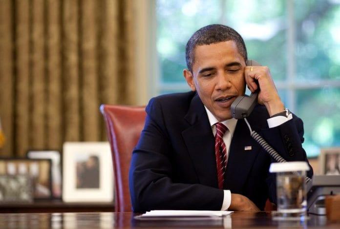 USAs president Barack Obama ringte i 2009 mannskapet på romfergen Atlantis fra Det ovale kontoret. (Illustrasjon: NASA HQ PHOTO, flickr.com)