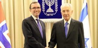 Utenriksminister Espen Barth Eide møter Israels president Shimon Peres i Jerusalem 27. august 2013. (Foto: Frode Overland Andersen, UD)