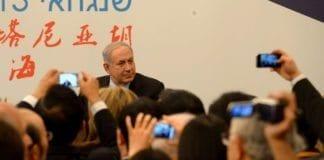 Israels statsminister Benjamin Netanyahu møter kinesiske næringslivsledere i Shanghai i mai 2013. (Illustrasjonsfoto: Avi Ohayon, GPO)
