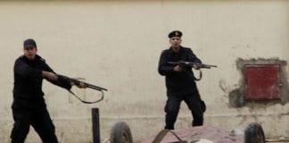 Egyptisk opprørspoliti forsøker å få ro i Kairos gater, sommeren 2011. (Illustrasjon: oxfamnovib, flickr.com)