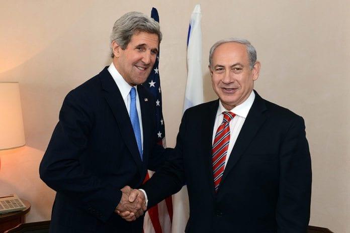 USAs utenriksminister John Kerry og Israels statsminister Benjamin Netanyahu (Foto: U.S. Embassy Tel Aviv, flickr.com)