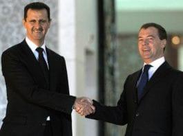 Syria-president Bashar Assad og nåværende statsminister i Russland, Dimitri Medvedev. (Foto: Wikimedia Commons)