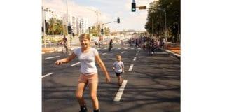 Israelerne klatrer på rangeringen over verdens mest lykkelige innbyggere. Bildet er tatt på Jom Kippur, da israelske bilveier ligger åpne for myke trafikanter. (Foto: Yossi Gurvitz, flickr.com)