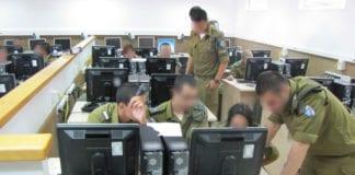 Israels avdeling for elektronisk krigføring er en prestisjefull tjeneste for vernepliktige soldater. (Illustrasjonfoto: IDF)