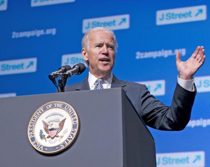 USAs visepresident Joe Biden talte på J Street-konferansen 2013 om fredsprosessen mellom Israel og PA. (Foto: jstreetdotorg, flickr.com)