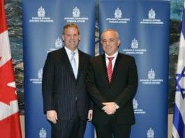 Canadas utenriksminister John Baird (f.v.) og Israels etterretnings- og strategiminister Yuval Steinitz. (Foto: DFATD | MAECD, flickr.com)