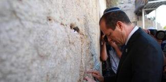 Jerusalems ordfører Nir Barkat var et av målene til terrorgruppen. (Foto: Nir Barkat - ניר ברקת, Facebook.com)