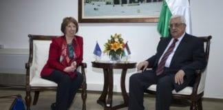 EUs utenriksminister Catherine Ashton (f.v.) og PA-president Mahmoud Abbas (Foto: European External Action Service, flickr.com)