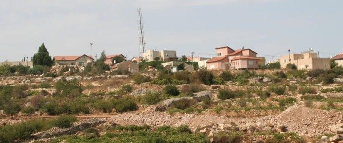 Forsknings- og utviklingsprosjekter som helt eller delvis finner sted i bosetningene, som Karmi Zur på bildet, vil ikke få pengestøtte fra EU. (Illustrasjon: michael loadenthal, flickr.com)