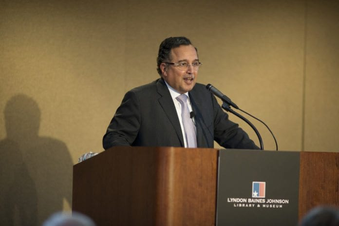 Egypts utenriksminister Nabil Fahmy avslører at det vil bli avholdt et nytt parlamentsvalg i februar eller mars. (Foto: Kerri Battles, flickr.com)