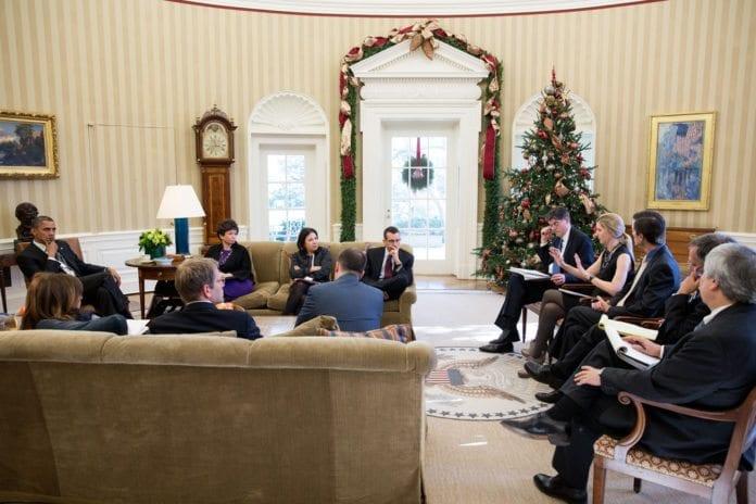 Stabsmøte i Det ovale kontoret i Det hvite hus, november 2012. (Illustrasjon: The White House, flickr.com)
