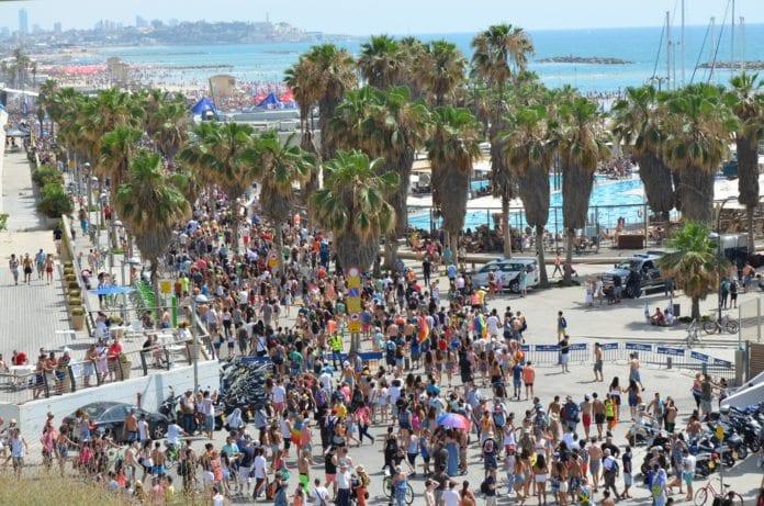 Bildet er fra sommerens homseparade i Tel Aviv. (Foto: xrispixels, flickr.com)