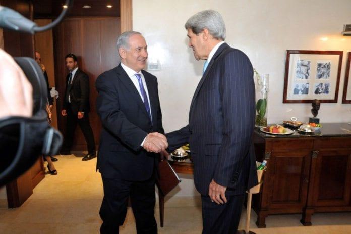 Bildet er fra et møte mellom Israels statsminister Benjamin Netanyahu og USAs utenriksminister John Kerry i utgangen av juni 2013. (Foto: U.S. Department of State, flickr.com)