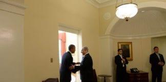 Statsminister Benjamin Netanyahu på vei inn på Det ovale kontoret i Det hvite hus, sammen med USAs president Barack Obama. (Foto: Kobi Gideon, Prime Minister of Israel, flickr.com)