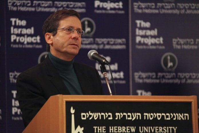 Arbeiderpartiets nye leder Isaac Herzog er i vinden for øyeblikket (Foto: The Israel Project, flickr.com)