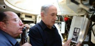 """Forsvarsminister Moshe """"Bogie"""" Ya'alon (f.v.) og statsminister Benjamin """"Bibi"""" Netanyahu, er bare to av mange israelske politikere som bærer med seg kallenavn fra barndommen. (Foto: Kobi Gideon, Prime Minister of Israel, flickr.com)"""