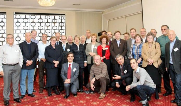 28 delegater fra Israel-organisasjoner i 15 europeiske land samlet i Wien 1. desember 2013.