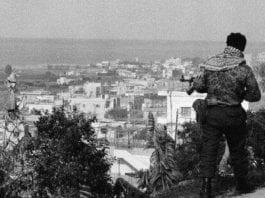 Palestinsk militsmann i Libanon på 1970-tallet. (Illustrasjonsbilde fra minneside om Damour-massakren på Facebook)