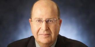 Forsvarsminister Moshe Ya'alon trekker paralleller fra Holocaustminnet til eksisterende holdninger blant palestinerne. (Foto: Reuven Kapuscinski, flickr.com)