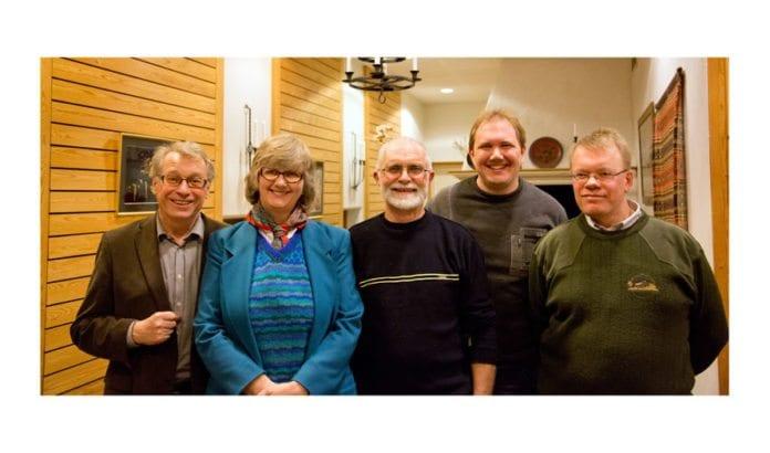 Foredragsholder Hallgrim Berg (til venstre) sammen med noen av de nyvalgte styremedlemmene i Vest-Telemark: Anne Margrethe Lund, Agnar Bratland, Tor-Bjørn Nordgaard og observatør.
