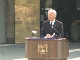 USAs visepresident Joe Biden taler i Ariel Sharons begravelse. Foto: Skjermdump fra Youtube.