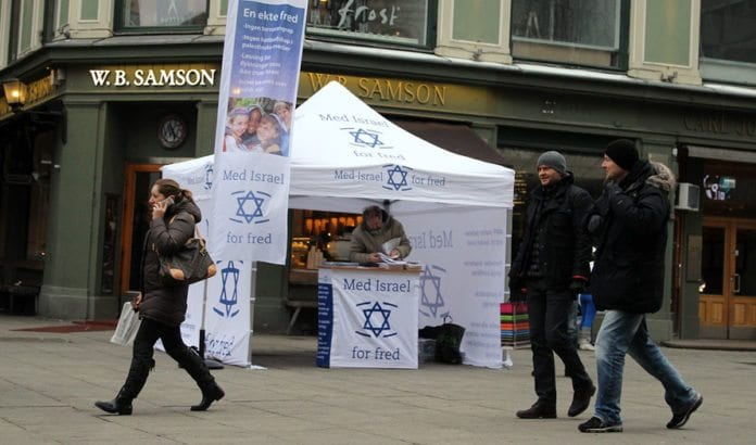 Fra MIFFs stand på Karl Johan i Oslo sentrum lørdag 25. januar 2014.