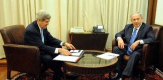 John Kerry samtalte mandag og tirsdag med Benjamin Netanyahu om palestinernes krav. Bildet er fra et møte mellom de to i januar. Foto: U.S. State Department / Flickr.com.
