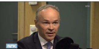 Kommunal- og moderniseringsminister Jan Tore Sanner på NRK nyheter mandag 31. mars 2014. (Skjermdump fra NRK)