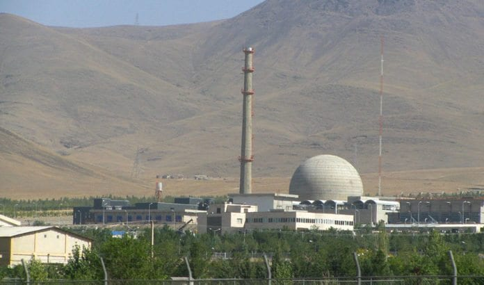 Tungtvannsreaktoren i Arak vil etter de iranske planene ha kapasitet til langt mer enn de sivile formålene regimet hevder å ville bruke den til. (Foto: Wikimedia Commons.)