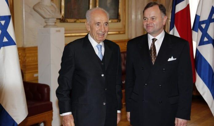 Israels president Shimon Peres møtte stortingspresident Olemic Thommessen til samtale mandag ettermiddag. (Foto: Tor-Bjørn Nordgaard.)