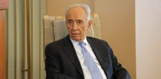 Israels president Shimon Peres besøkte Nobel-instituttet tirsdag. (Foto: Tor-Bjørn Nordgaard.)
