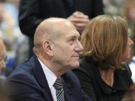 Ehud Olmert er dømt til seks års fengsel. På bildet sitter han ved siden av tidligere partifelle Tzipi Livni. (Foto: Kadima.)