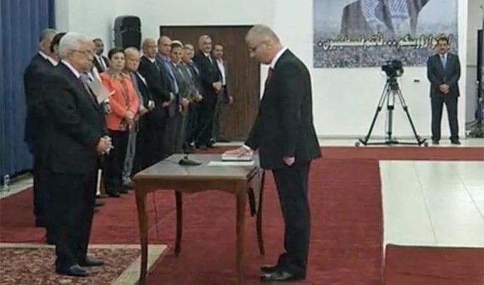 Mahmoud Abbas tar ny palestinsk regjering i ed mandag. (Foto: Skjermdump fra Jerusalem Post web-tv.)