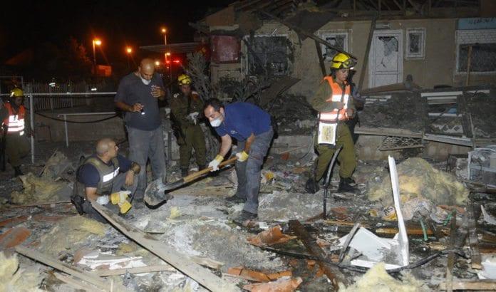 En bolig i Beersheba er skadet i rakettangrep fra Gaza-stripen. (Foto: IDF)
