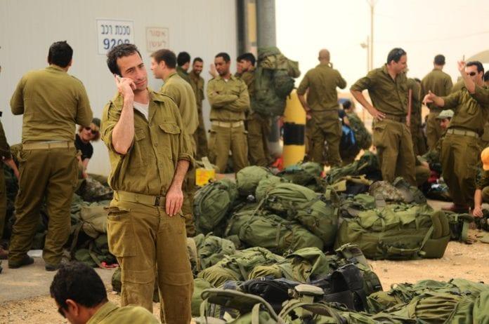 Reservesoldater som nylig har meldt seg til tjeneste, under forrige store Gaza-operasjon IDF gjennomførte i 2012. (Illustrasjon: Israel Defense Forces, flickr.com)