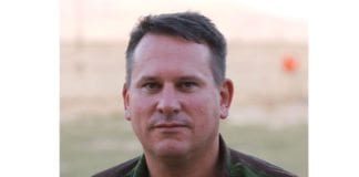 Obers Richard Kemp mener Israel går svært langt for å beskytte sivile i Gaza. (Foto: Wikimedia Commons)