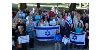 Noen av deltakerne på støttemarkeringen. (Foto: Mats Danielsen)