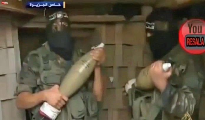 Terrorister fra Hamas viste Al Jazeeras reporter sine aktiviteter under våpenhvilen. (Foto: Skjermdump fra Ynetnews.com)