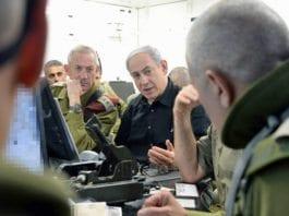 Israels statsminister Benjamin Netanyahu og IDF-mannskaper. (Illustrasjonsfoto: GPO)