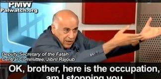 """En av topplederne innen Fatah oppfordrer på TV til å """"slakte bosettere"""". (Foto: Skjermdump fra PMW / YouTube)"""