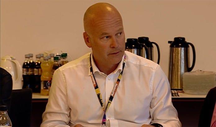 Kringkastingssjef Thor Gjermund Eriksen på torsdagens møte i Kringkastingsrådet. (Foto: Skjermdump fra NRK)