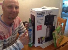 """Et stort antall nordmenn kjøpte SodaStream i forrige uke, som en protestaksjon mot provokatørene som vil mobbe de israelske brusmaskinene ut av norske butikker. (Foto: Privat fra Facebook-siden """"La Boblene Friste - Støtt SodaStream"""")"""