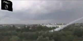 Her avfyres raketter mot Israel fra Gaza, og en IS-assosiert nettside forteller at IS sto bak flere raketter mot Israel under krigen. (Foto: Skjermdump fra YouTube)