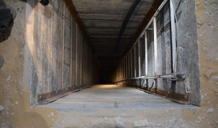 Inngangen til en av de over 30 terrortunnelene fra Gaza til Israel som ble funnet av det israelske forsvaret i sommer. (Illustrasjonsfoto: IDF / Flickr.com)