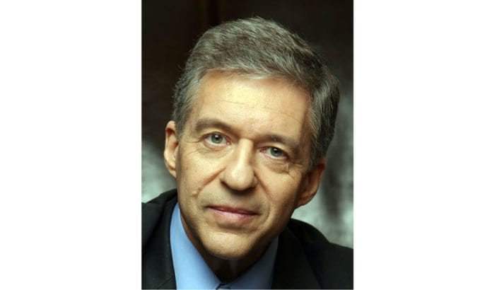 Yossi Beilin mener den palestinske enheten bare er et falskt bilde dersom Hamas ikke lar seg avvæpne. (Foto: Beilin.org.il)