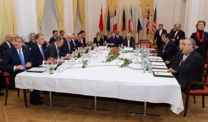 ForhandFra atomforhandlingene mellom Iran og verdensmaktene, i Wien 24. november. (Foto: Det amerikanske utenriksdepartementet / Flickr.com)