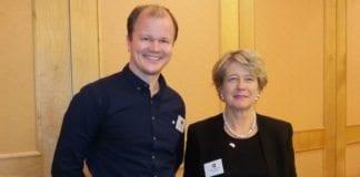 Conrad Myrland, daglig leder i MIFF, og Corina Eichenberger-Walther, parlamentsmedlem i Sveits og president for European Alliance for Israel. (Foto: Bengt-Ove Nordgård)